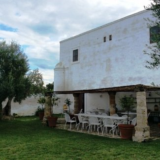 Rustic and chic countryside weddings in Puglia, Italy with Madama Wedding Planners