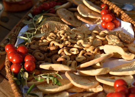 Puglia-rustic-local-bread-wedding