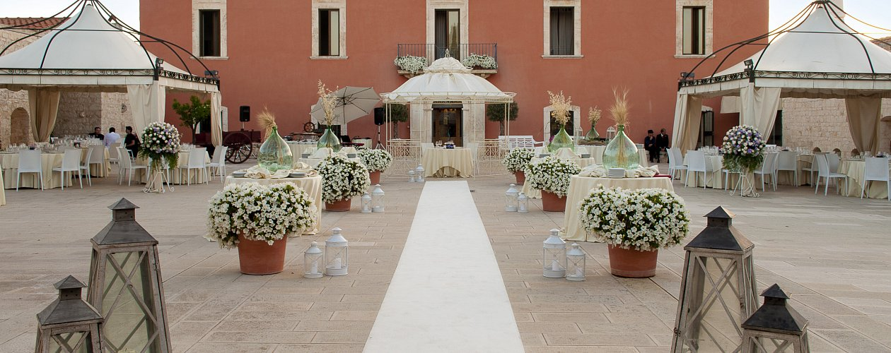 Puglia Apulia affordable wedding locations countryside and seaside
